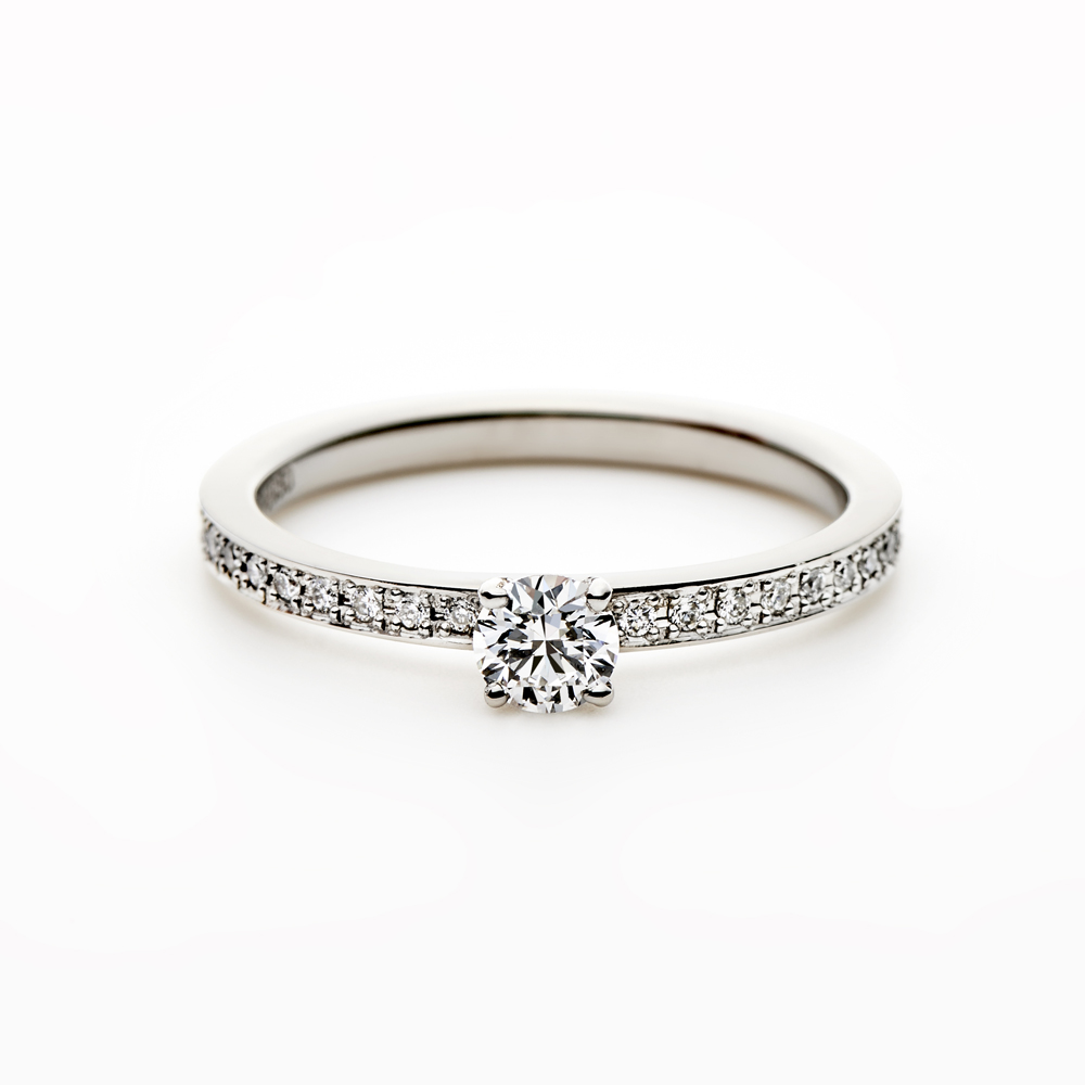 SCHIENE 婚約指輪 シンプル エレガント ストレート エタニティ プラチナ