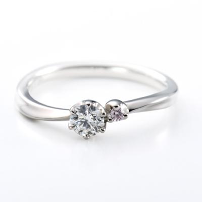 Marguerite 婚約指輪 キュート V字(ウェーブ) プラチナ