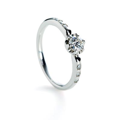 seed 婚約指輪 シンプル キュート ストレート プラチナ