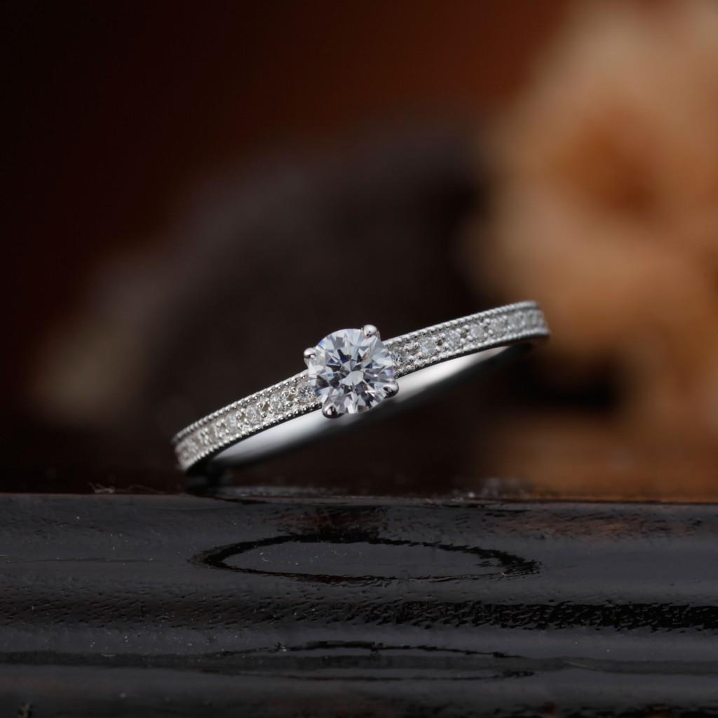 BEGONIA 婚約指輪 エレガント アンティーク ストレート エタニティ プラチナ