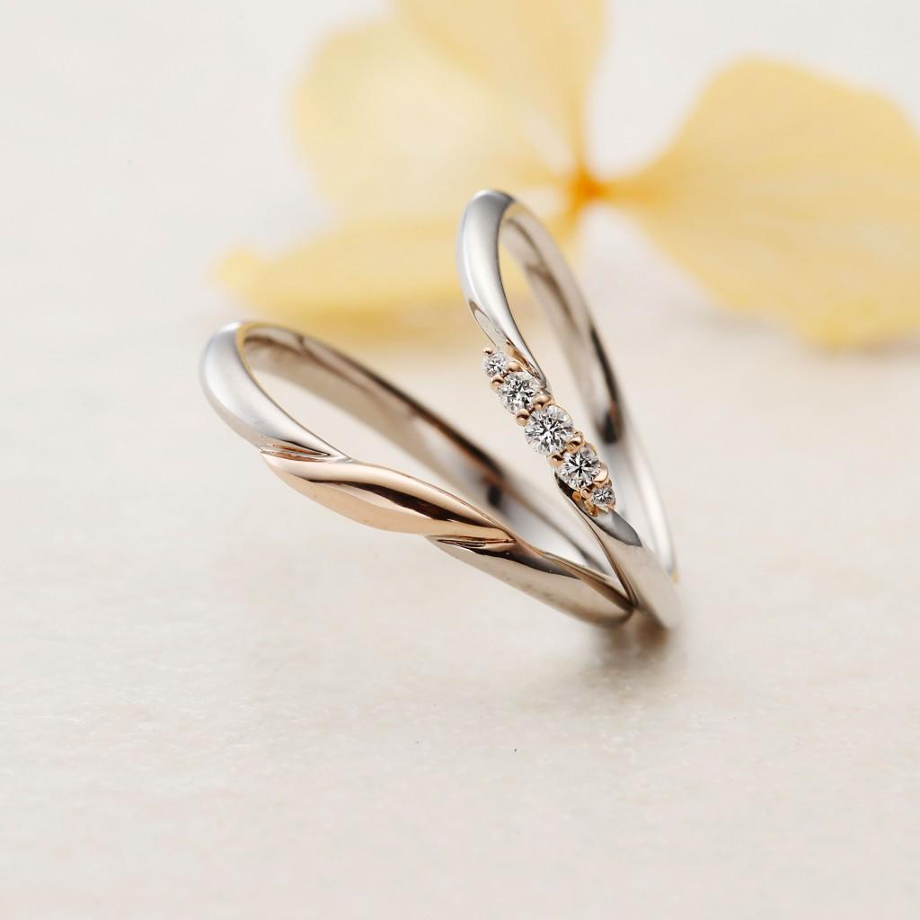 IRIS-アイリス- 結婚指輪 シンプル キュート S字(ウェーブ) コンビ