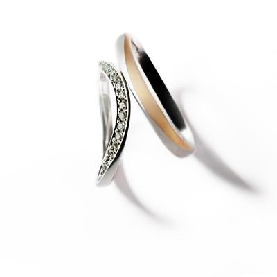 tarteⅡ 結婚指輪 エレガント キュート 個性派 V字(ウェーブ) プラチナ ピンクゴールド コンビ