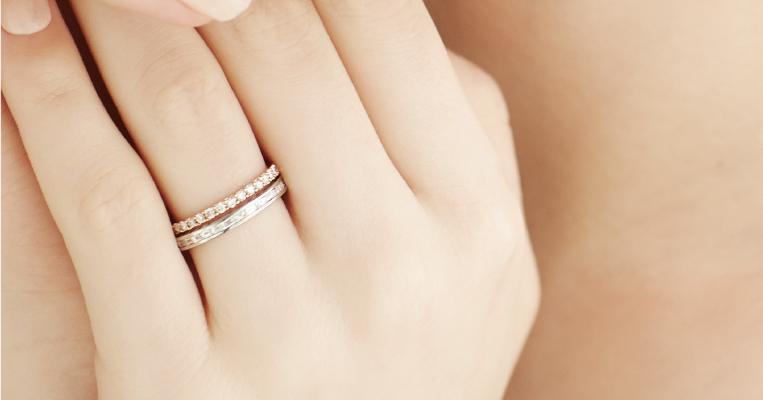 高品質なエタニティリングを婚約指輪(エンゲージリングに)
