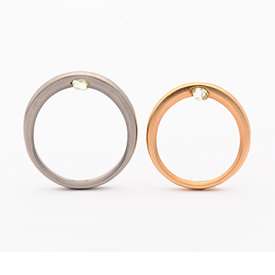 tmh. ティーエムエイチ. 婚約指輪 シンプル アンティーク 個性派 ストレート イエローゴールド ホワイトゴールド