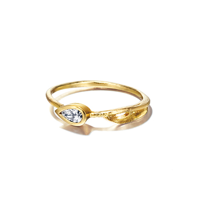Alex Monroe 婚約指輪 アンティーク 個性派 ストレート イエローゴールド