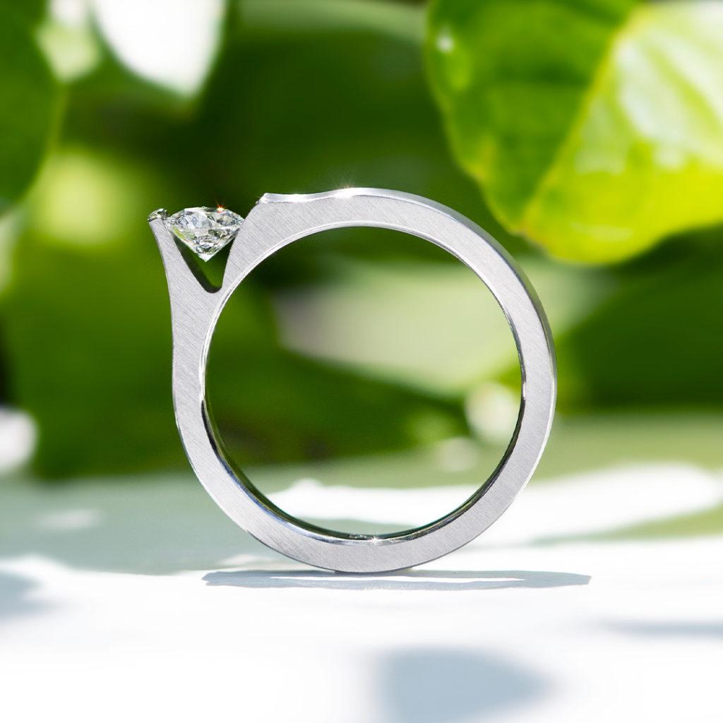 BETEL 婚約指輪 シンプル 個性派 ストレート ジルコニウム