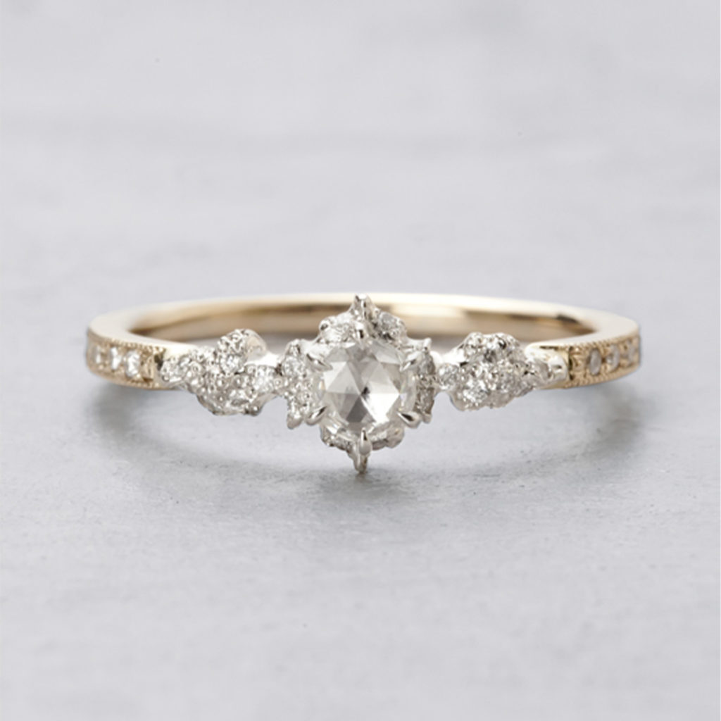 BR727A 婚約指輪 エレガント アンティーク ストレート エタニティ イエローゴールド