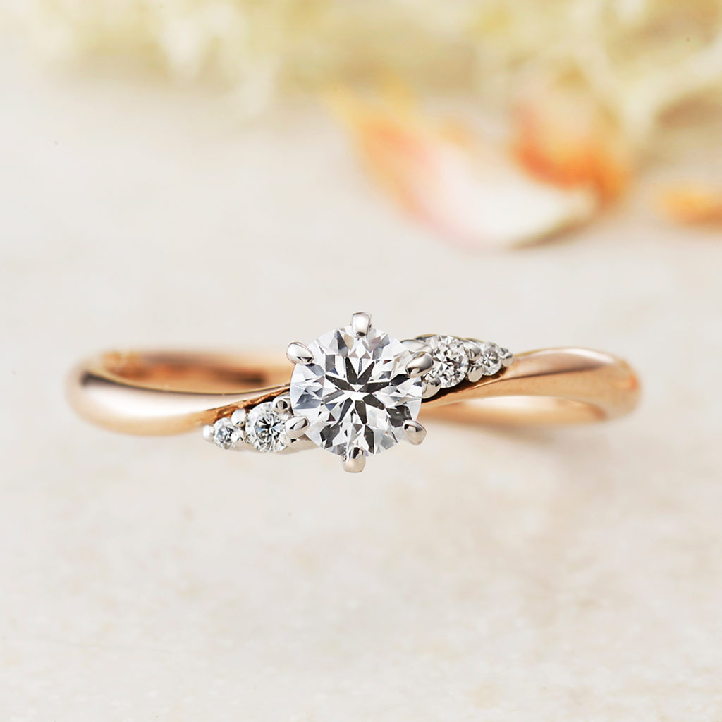 IRIS-アイリス- 婚約指輪 エレガント S字(ウェーブ) ピンクゴールド
