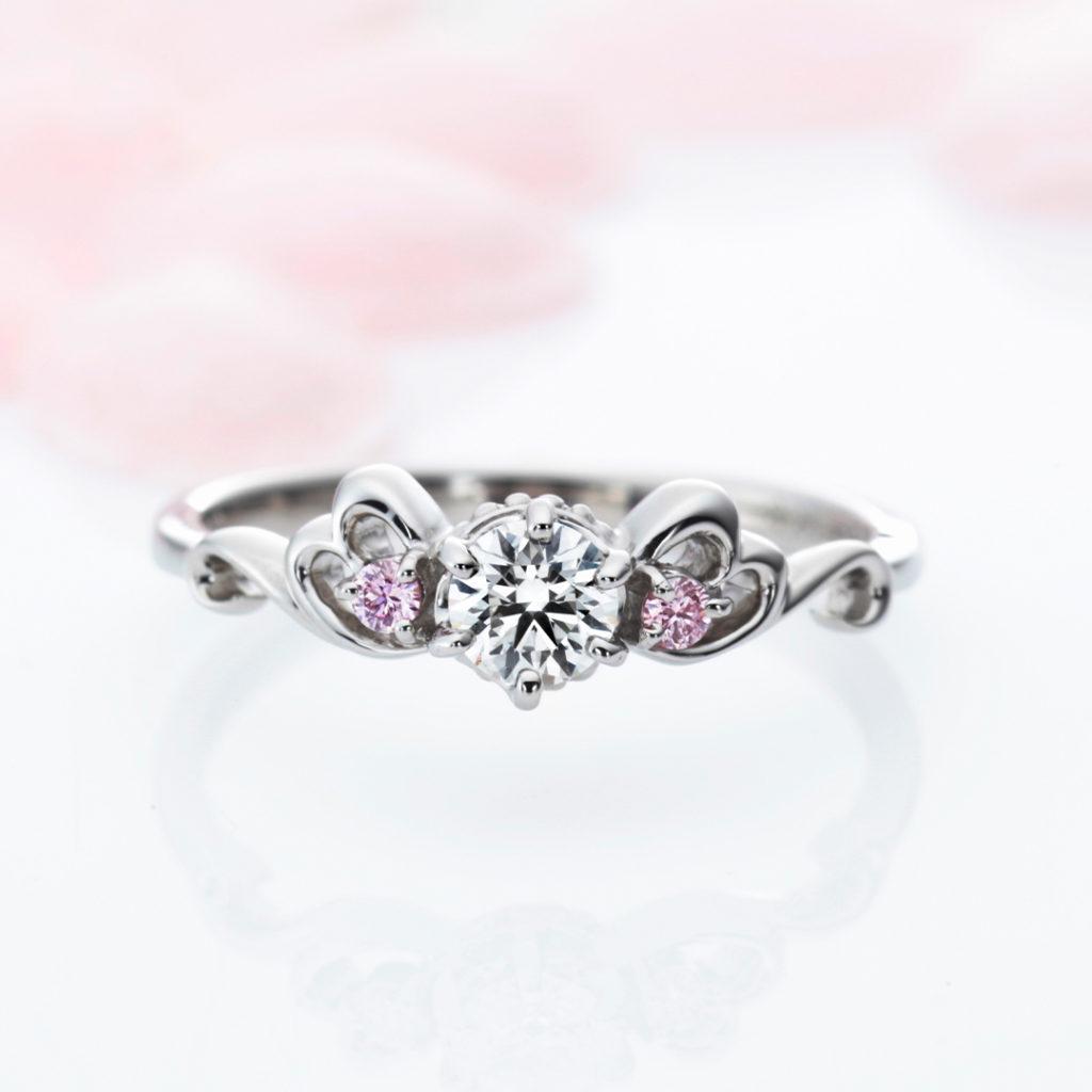 La Trinite 婚約指輪 キュート 個性派 V字(ウェーブ) プラチナ