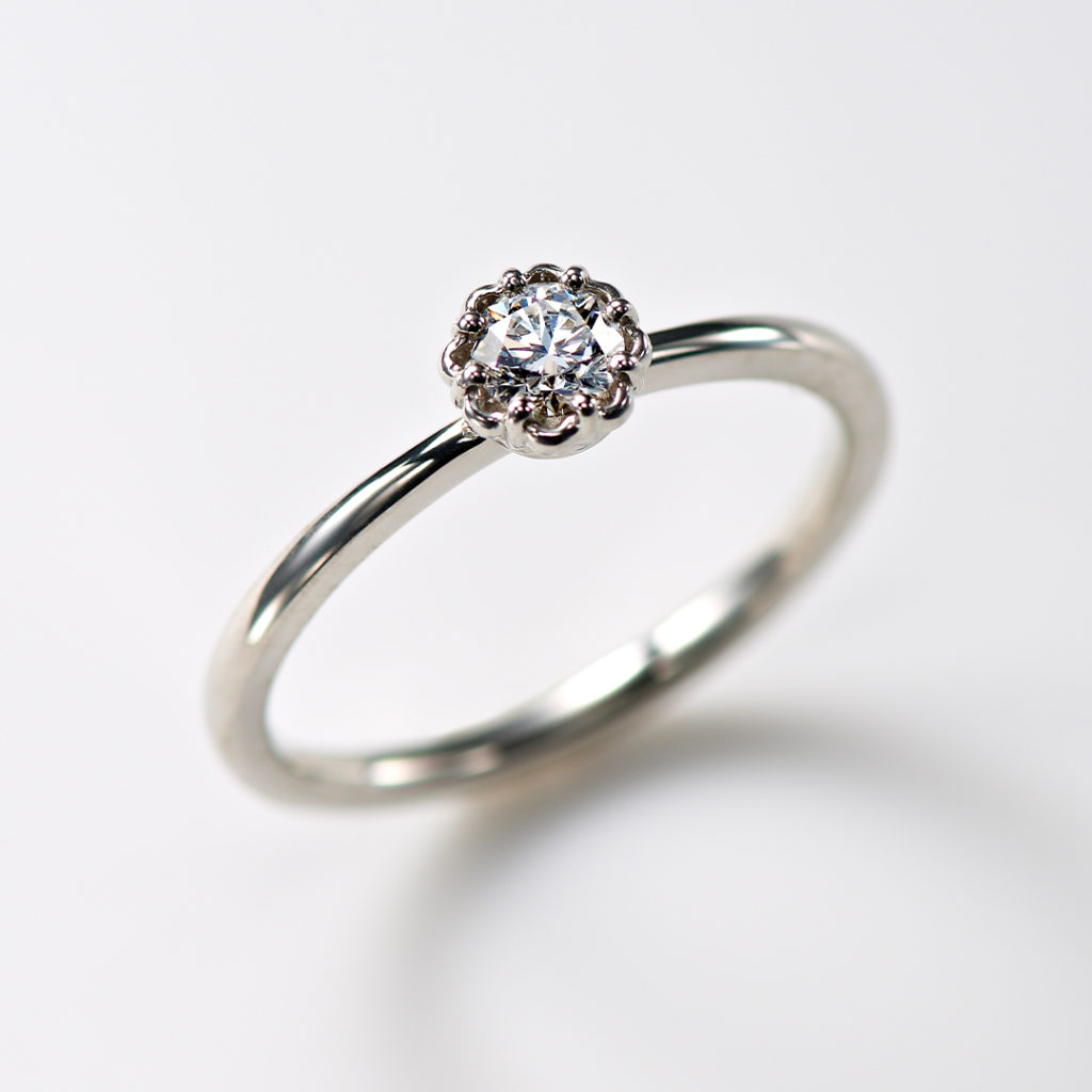 Marigold 婚約指輪 キュート 個性派 ストレート プラチナ
