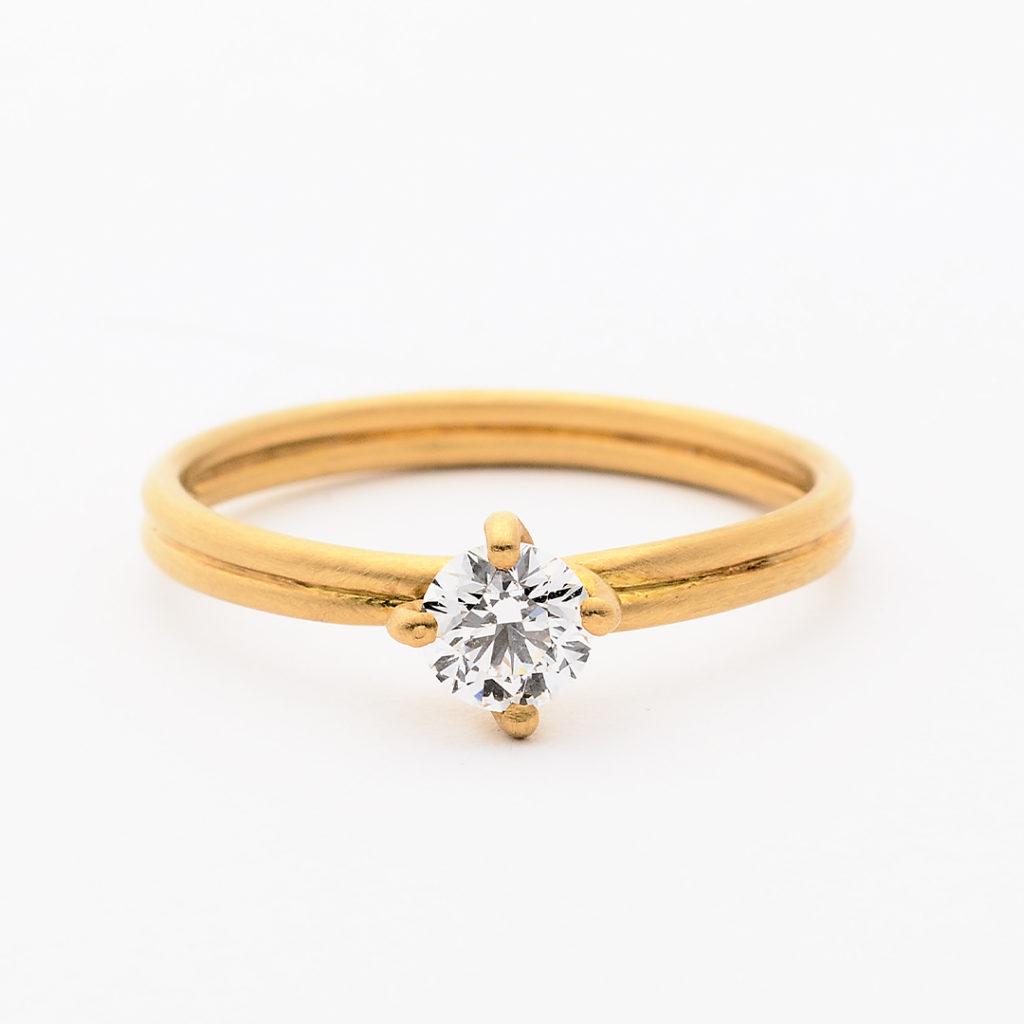 SHIHARA シハラ 婚約指輪 シンプル アンティーク 個性派 ストレート イエローゴールド