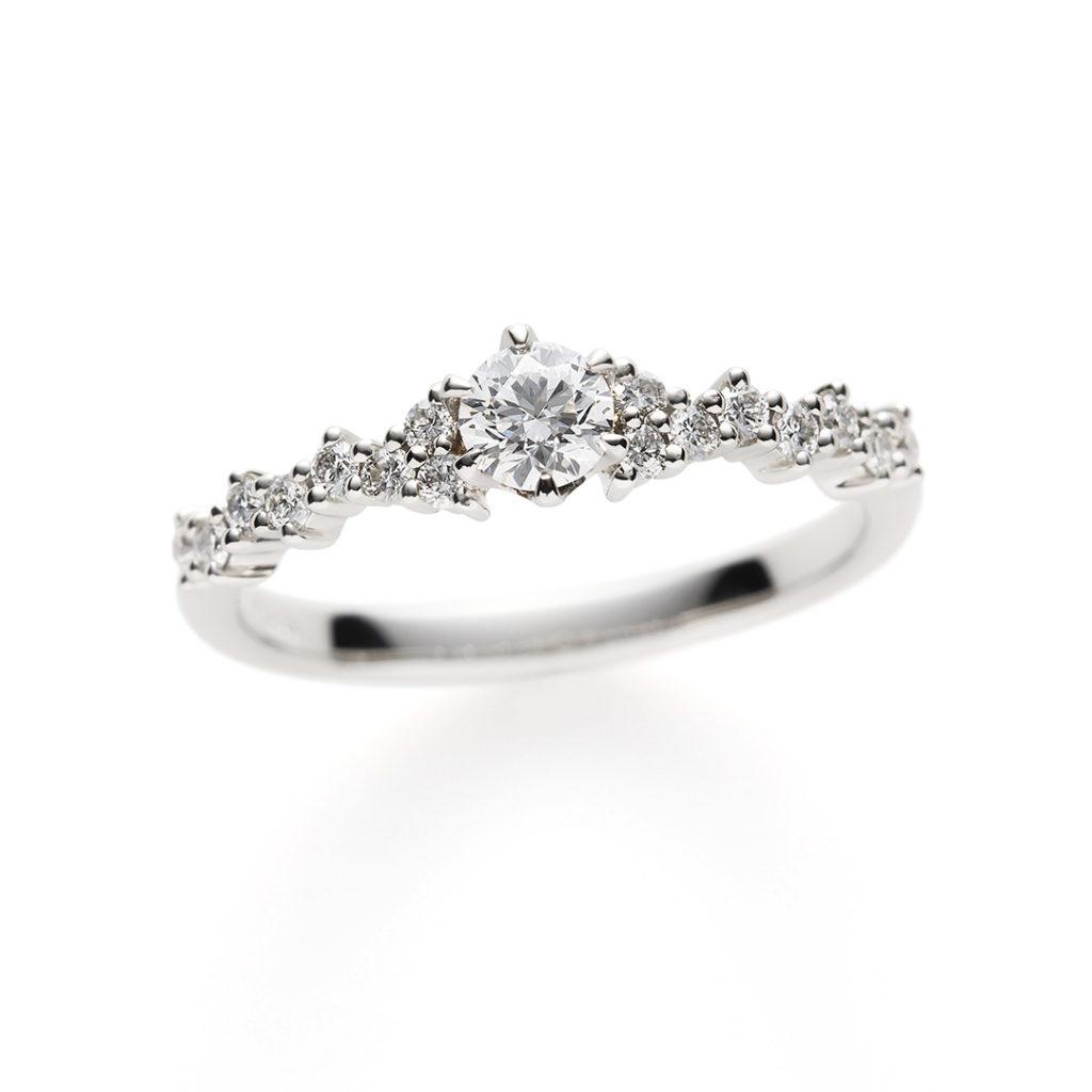 Diamond Fizz 婚約指輪 シンプル エレガント エタニティ プラチナ