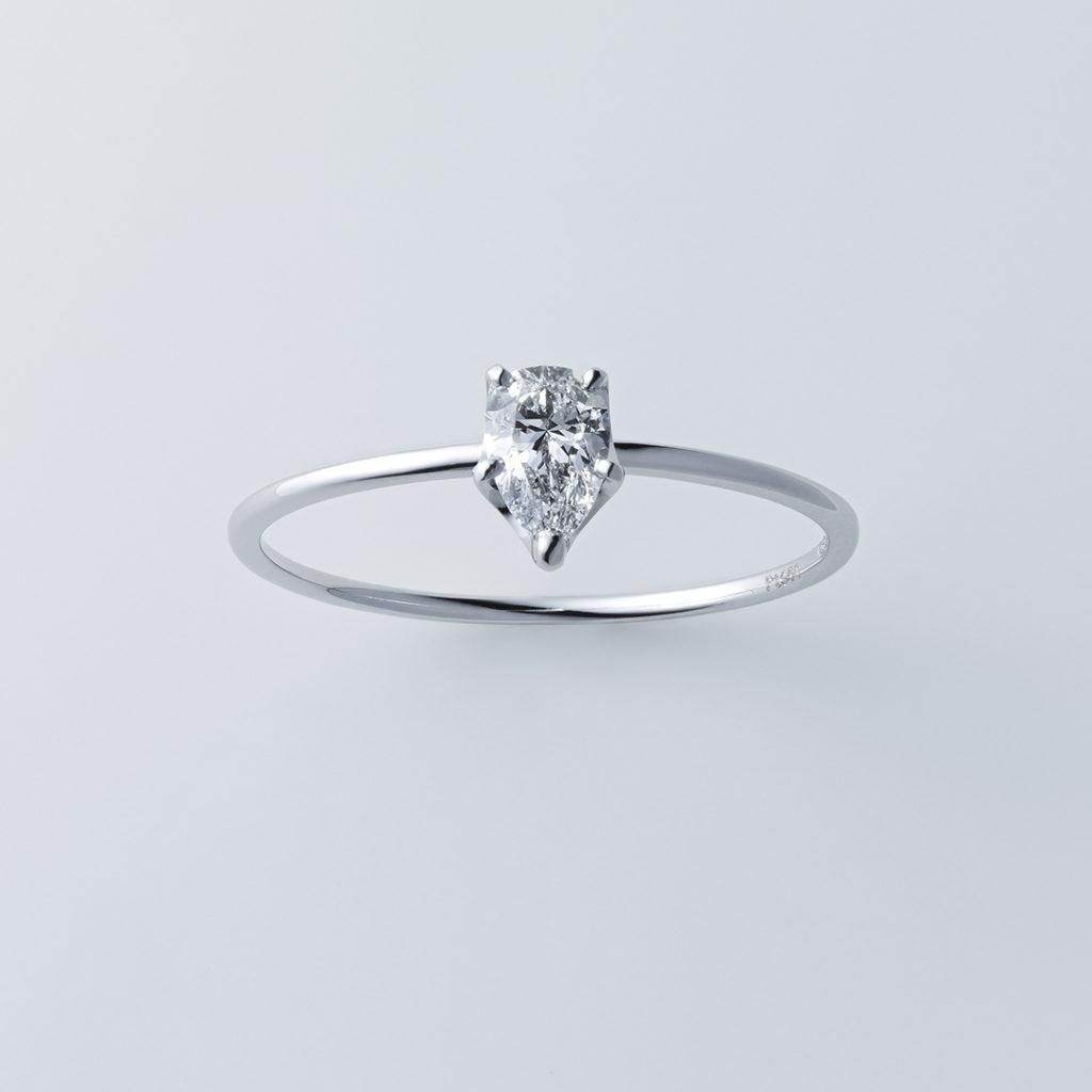 ストレートライン×ペアシェイプカット 婚約指輪 シンプル ストレート プラチナ