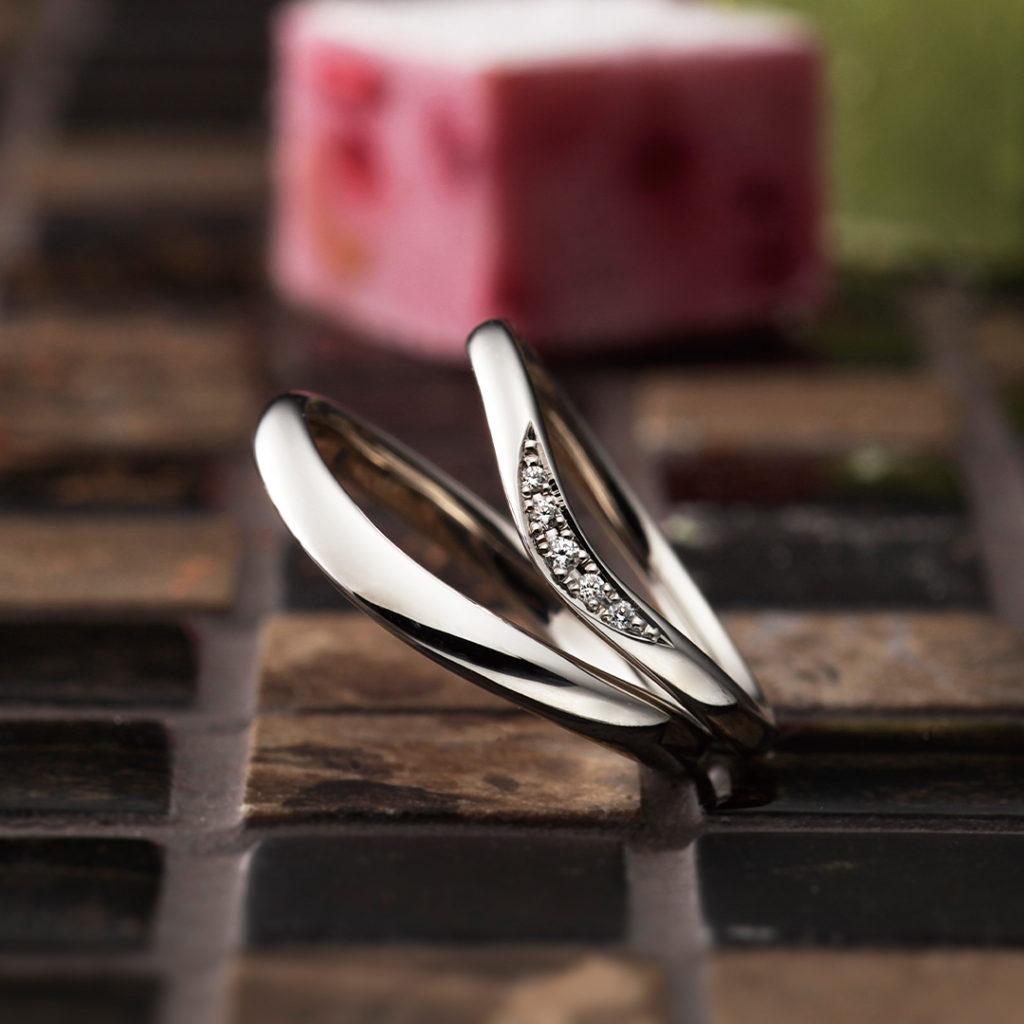 fleurage 結婚指輪 シンプル V字(ウェーブ) プラチナ パラジウム