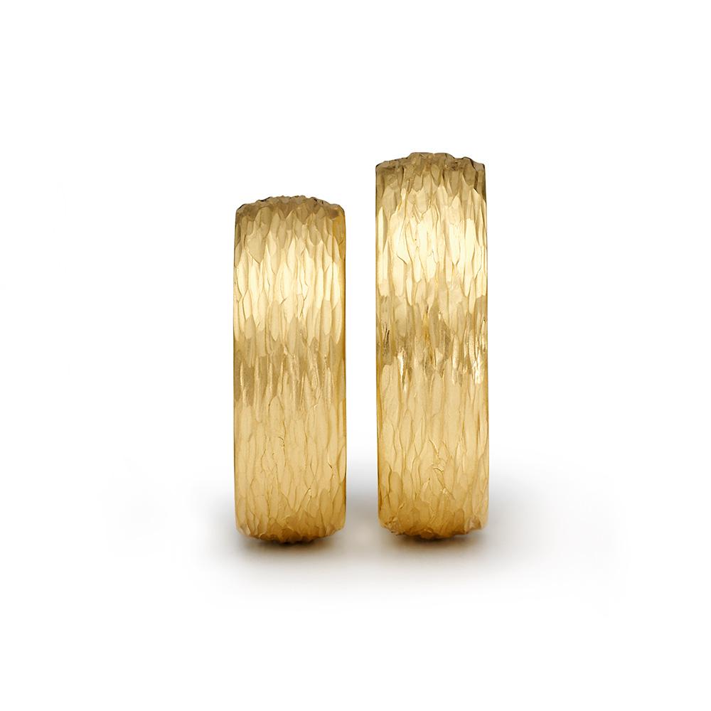 NIESSING HAMMERBLOW LINEA 結婚指輪 シンプル 個性派 ストレート 幅広 イエローゴールド