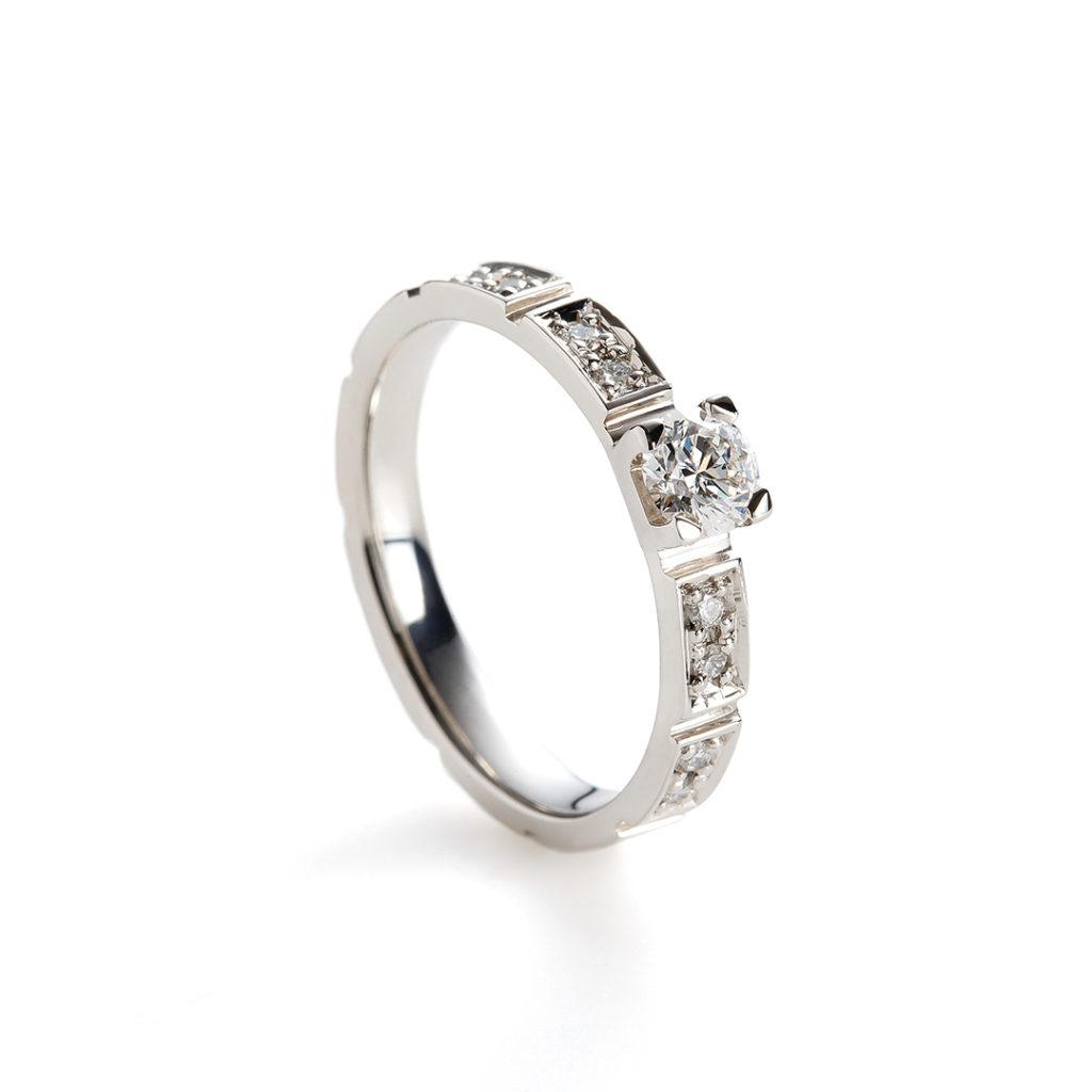 ponte 婚約指輪 エレガント 個性派 ストレート プラチナ